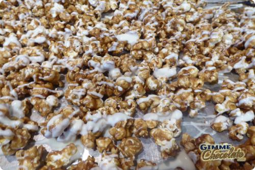 white chocolate caramel popcorn