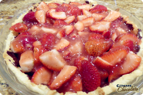 glazed strawberries in pie crust